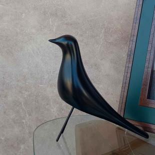 Pássaro Decorativo Preto De Resina Limoeiro